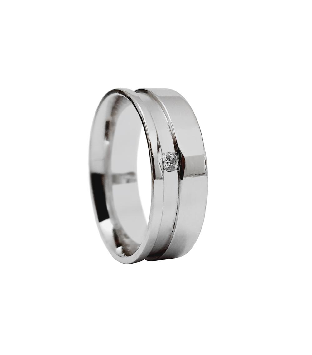 imagem Aliança de compromisso em prata reta com friso rebaixado.