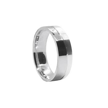 imagem Aliança de compromisso em prata jotinha meia fosca meia polida com divisão ondulada